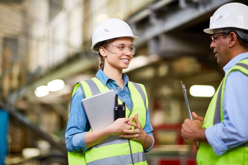 De plus en plus plébiscitée, la formation en alternance se retrouve dans tous les secteurs d'activité et pour tous les profils. © pressmaster, Adobe Stock.
