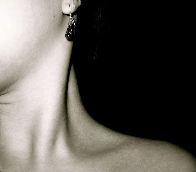 Torticolis et lumbago sont deux grands classiques du mal de dos. © athena, Flickr CC by nc nd 2.0