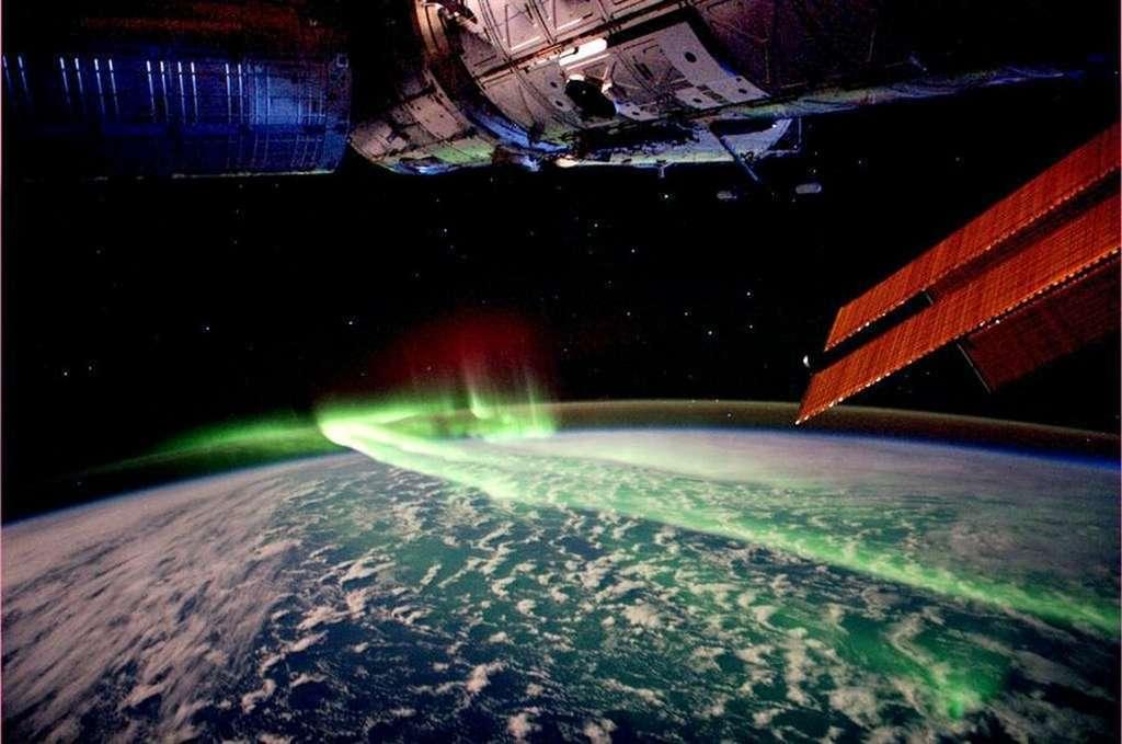 Une aurore polaire australe photographiée en mars 2012 depuis la Station spatiale internationale. © André Kuipers, Esa, Nasa