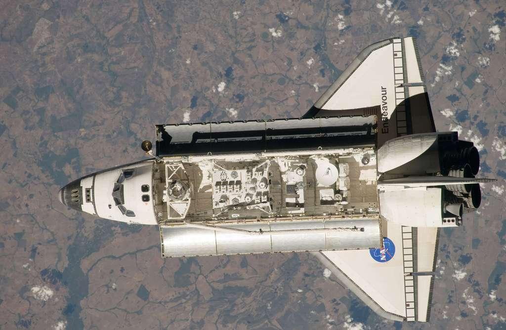 la plateforme de Kibo dans la soute d'Endeavour (juillet 2009)