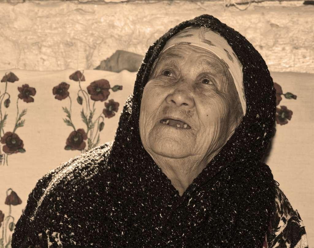 En 2011, 11,2 millions de personnes âgées de 65 ans et plus ont été recensées en France (ce qui correspond à environ 17 % de la population totale). Le développement de traitements contre les maladies du vieillissement est donc un enjeu important. © Jennifer Buzanowski, Wikimedia Commons, cc by sa 3.0