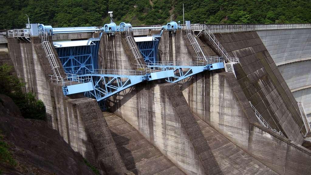 Le barrage hydroélectrique de Midono, au Japon