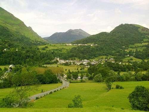 Le tourisme dans les Pyrénées Atlantiques révèle de nombreuses richesses, tant historiques que gastronomiques. © France64160, Wikipedia, Licence Creative Commons Paternité – Partage des conditions initiales à l'identique 3.0 Unported, 2.5 Générique, 2.0 Générique et 1.0 Générique
