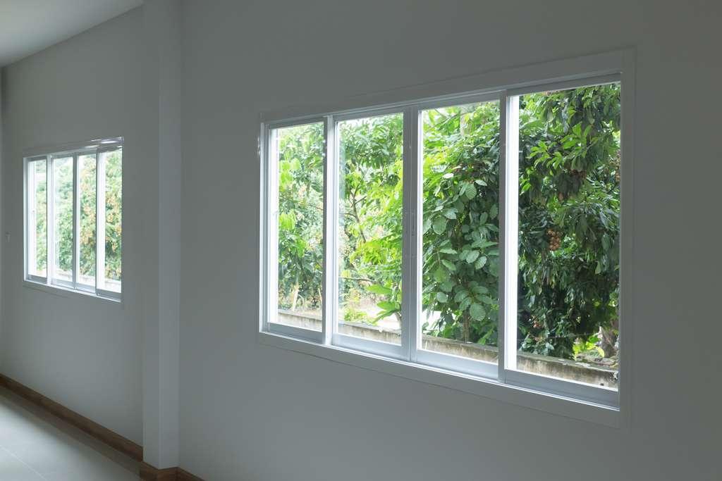 Combien coûte une fenêtre coulissante ? ©sutichak , Adobe Stock