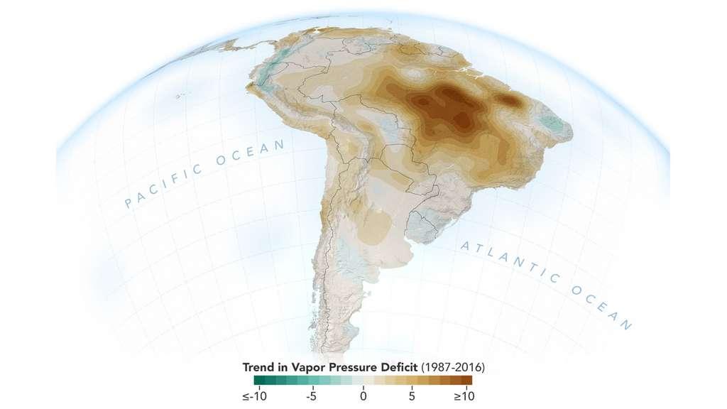 Le taux d'humidité de l'air en Amérique du Sud au cours des saisons sèches (Amazonie) entre 1987 et 2016. Le déficit se creuse particulièrement dans le sud et le sud-est de la forêt amazonienne ces 30 dernières années, selon l'étude de la Nasa. © Nasa, JPL-Caltech, NASA Earth Observatory
