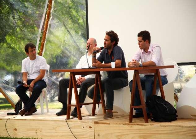 Présentation de l'association Tara Expéditions par Romain Troublé en marge de la conférence Rio+20 au Pavillon bleu. © A. Deniaud, Tara