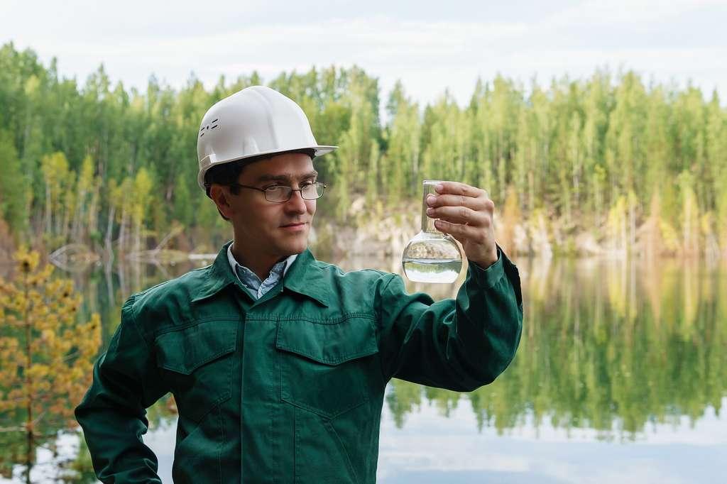 L'hydrogéologue doit préserver et lutter contre les prélèvements excessifs ou la pollution de nappes phréatiques ou de poches d'eaux souterraines. © Evgeny, Adobe Stock.