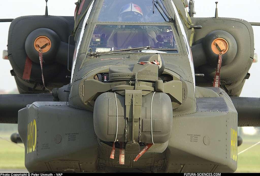 Hélicoptère Apache - Salon du Bourget 2005