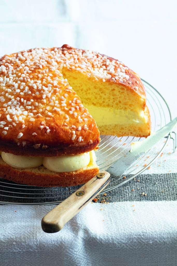 La tarte tropézienne un pur délice © Valérie Lhomme, stylisme Bérengère Abraham