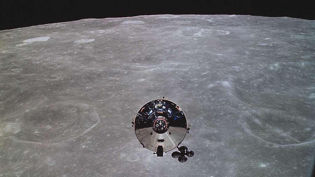 Les astronautes de la mission Apollo 10 ont effectué en mai 1969 une répétition générale autour de la Lune, afin de préparer la première mission à atterrir sur la Lune, Apollo 11. © Images Nasa/JSC, Retraitements Olivier de Goursac. Tous droits réservés