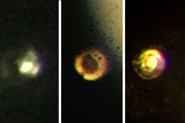 Ici, trois stades de la formation de l'hydrogène métallique. À gauche, un hydrogène moléculaire transparent et isolant, à une pression de 200 gigapascals (GPa). Au centre, un hydrogène moléculaire noir et semi-conducteur. Enfin, à droite, un hydrogène métallique atomique supraconducteur à une pression de 495 GPa. © Isaac Silvera, Harvard