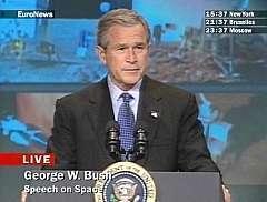 George W. Bush, janvier 2004 Annonce de la reprise du programme spatial américain (Crédit : Euronews)
