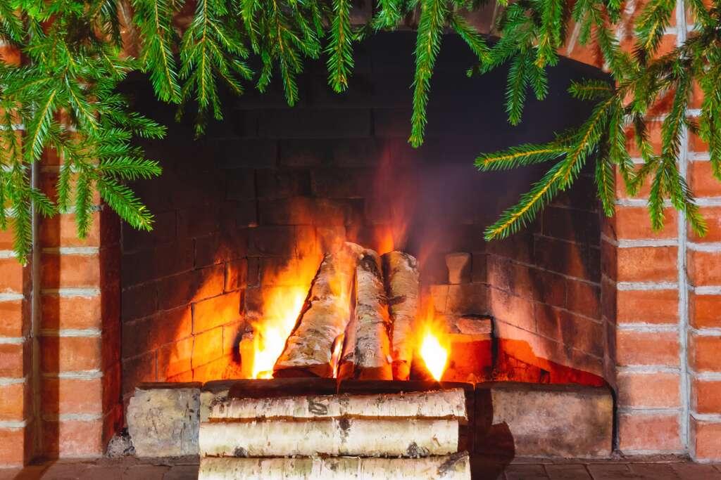 Un feu de cheminée émet autant de particules fines qu'un trajet de 3.500 km en voiture diesel. © Галина Сандалова - Fotolia