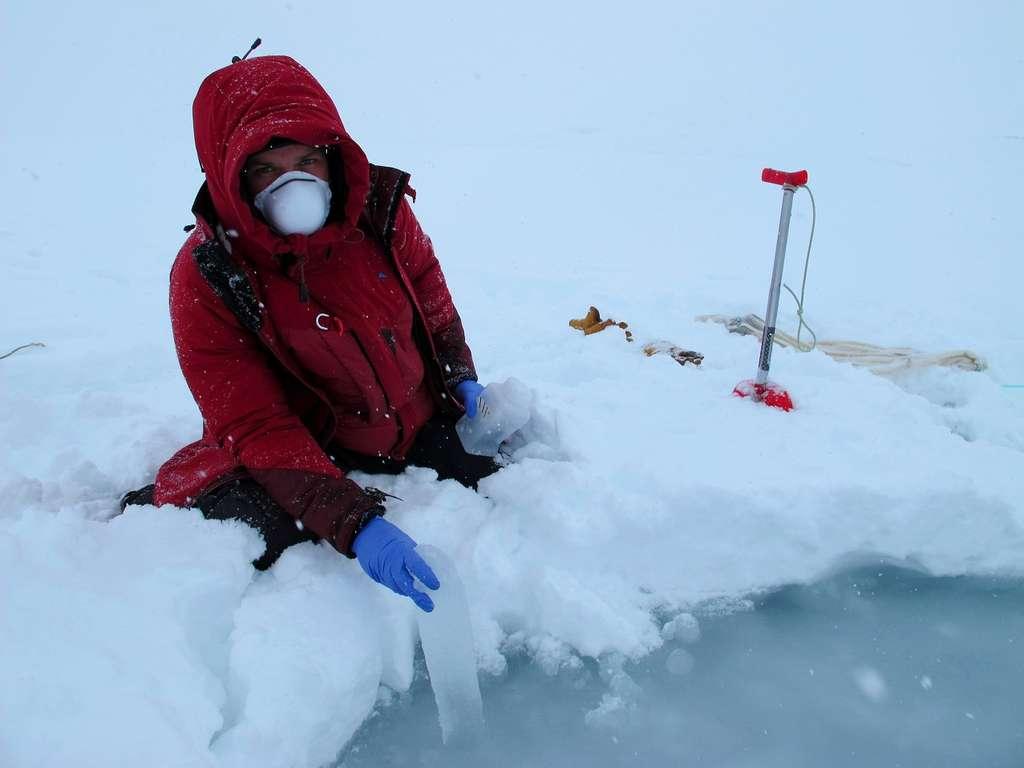 Prélèvement d'échantillons de glace