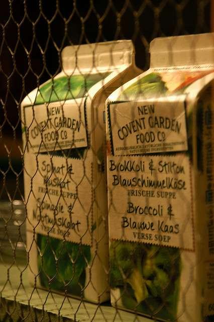 Le bisphénol A, perturbateur endocrinien, serait présent dans les aliments conditionnés en boîtes de conserve et dans les boissons en canettes. L'étude des chercheurs américains a porté sur les soupes industrielles en conserve. Le taux de bisphénol A dans les soupes en brique, très présentes en France, n'a pas été étudié. © bloggyboulga, Flickr CC by nc-sa 2.0