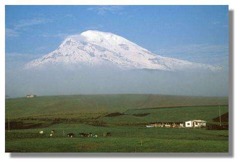 Le volcan Chimborazo au petit matin (Equateur) © IRD/Francis Kahn