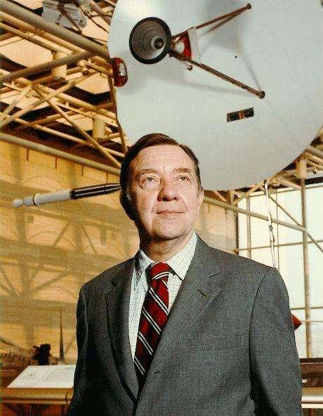 James Alfred Van Allen (7 septembre 1914 - 9 août 2006) est un physicien et astronome américain qui étudia les propriétés de la magnétosphère terrestre. © Nasa