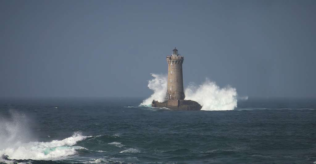 Phare du Four à Porspoder. © Jean-Marie Muggianu, Flickr, CC by-nc 2.0