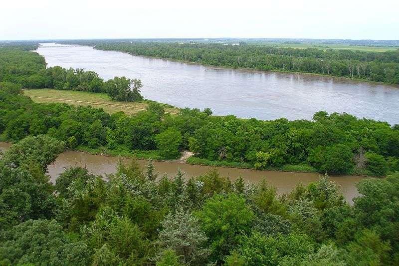 Au centre des États-Unis, la rivière South Platte rejoint la rivière North Platte... pour former à elles deux la rivière Platte. Elle-même termine sa course dans le Mississippi qui poursuit sa route jusqu'au golfe du Mexique. © Babymestizo, Wikipédia, cc by sa 3.0