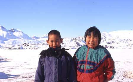 Enfants Inuit - Copyright photo François Beiger (tous droits de reproduction interdit)