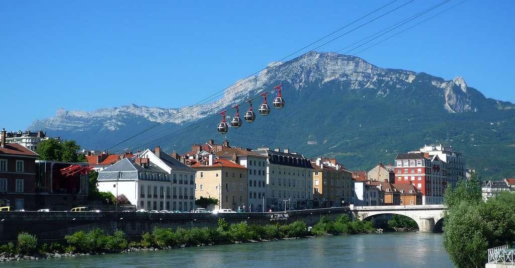 Gare du téléphérique de Grenoble Bastille. © Milky, Wikimedia commons, DP