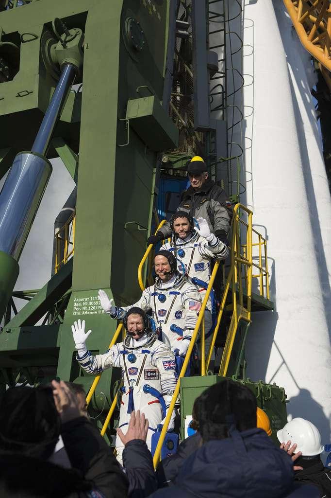 Seul un nombre significatif de lancements du Falcon 9 réalisés avec succès (démontrant de fait la fiabilité du lanceur) pourrait asseoir la crédibilité de SpaceX et rassurer la Nasa et les astronautes qui voleront à bord de l'appareil. © ESA, S. Corvaja