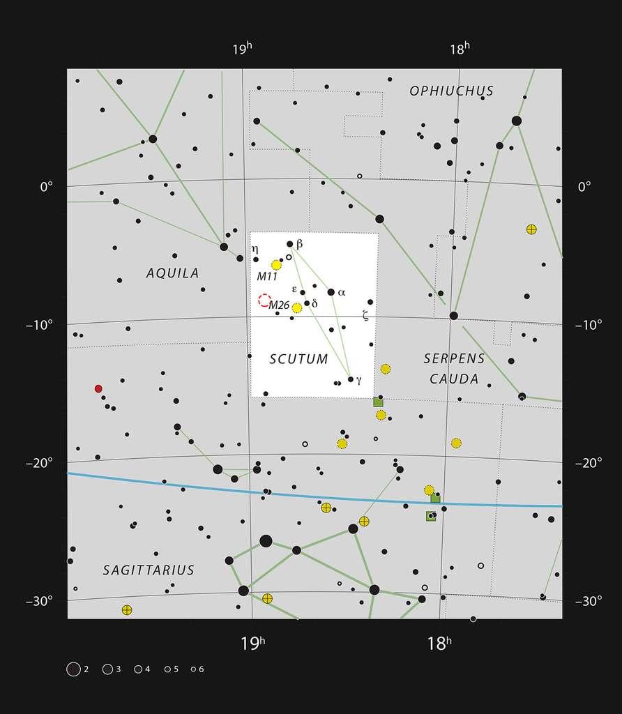 Cette carte représente la petite mais très riche constellation de l'Écu de Sobieski, et indique la plupart des étoiles visibles à l'œil nu par un ciel nocturne assez sombre. L'emplacement de la faible nébuleuse planétaire IC 1295 est indiqué par un cercle rouge en pointillés. Ce très faible objet peut être vu avec les plus grands télescopes amateurs, et il serait mieux observé avec un filtre approprié. Il se trouve à proximité du bien plus lumineux amas globulaire NGC 6712. © ESO, IAU, Sky and Telescope
