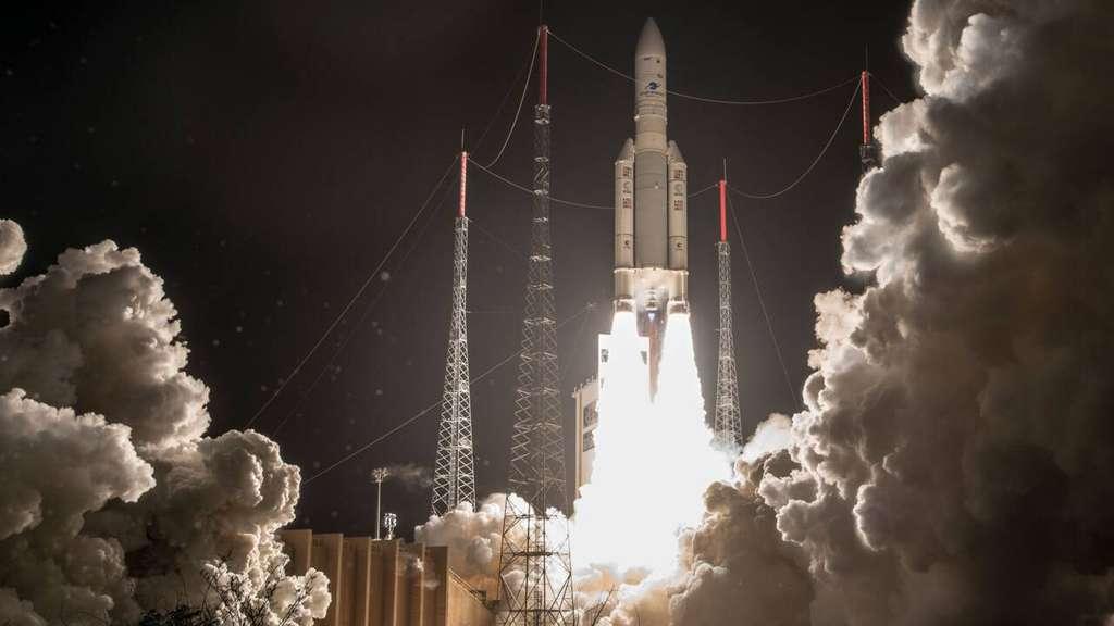 Lancement d'une fusée Ariane 5 depuis la base de Kourou, en 2018. © ESA