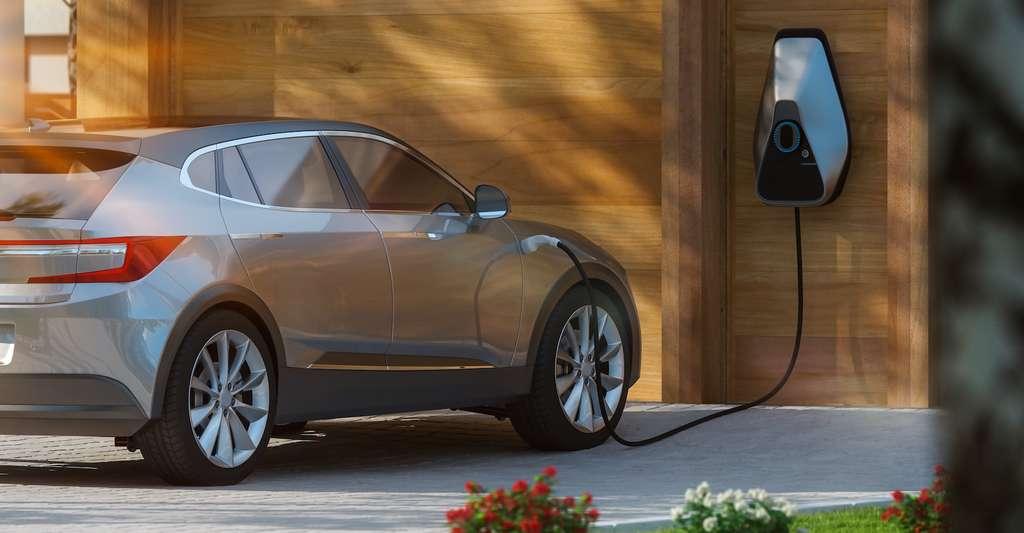 Aujourd'hui tous les constructeurs proposent au moins une voiture électrique. Mais pour que celle-ci soit plus largement adoptée, il faudra encore que son prix diminue, que l'autonomie de sa batterie augmente et que les bornes de recharge deviennent plus nombreuses. © Herr Loeffler, Adobe Stock