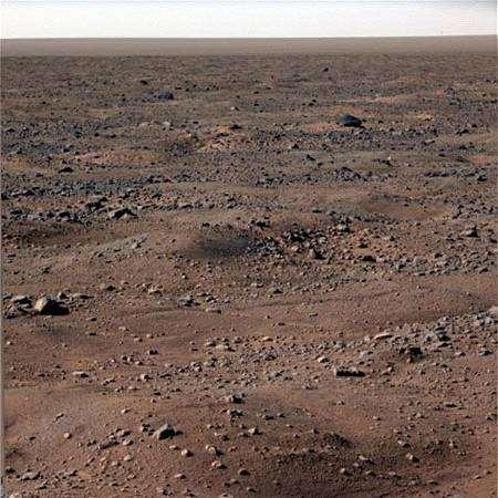 Le sol gelé de Mars, vu le 7 octobre (sol 131). Crédit Nasa