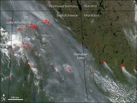 Les incendies qui sévissent à l'ouest du Canada, vus le 27 juin 2006 par l'instrument MODIS du satellite Aqua (Courtesy of the MODIS Rapid Response team)