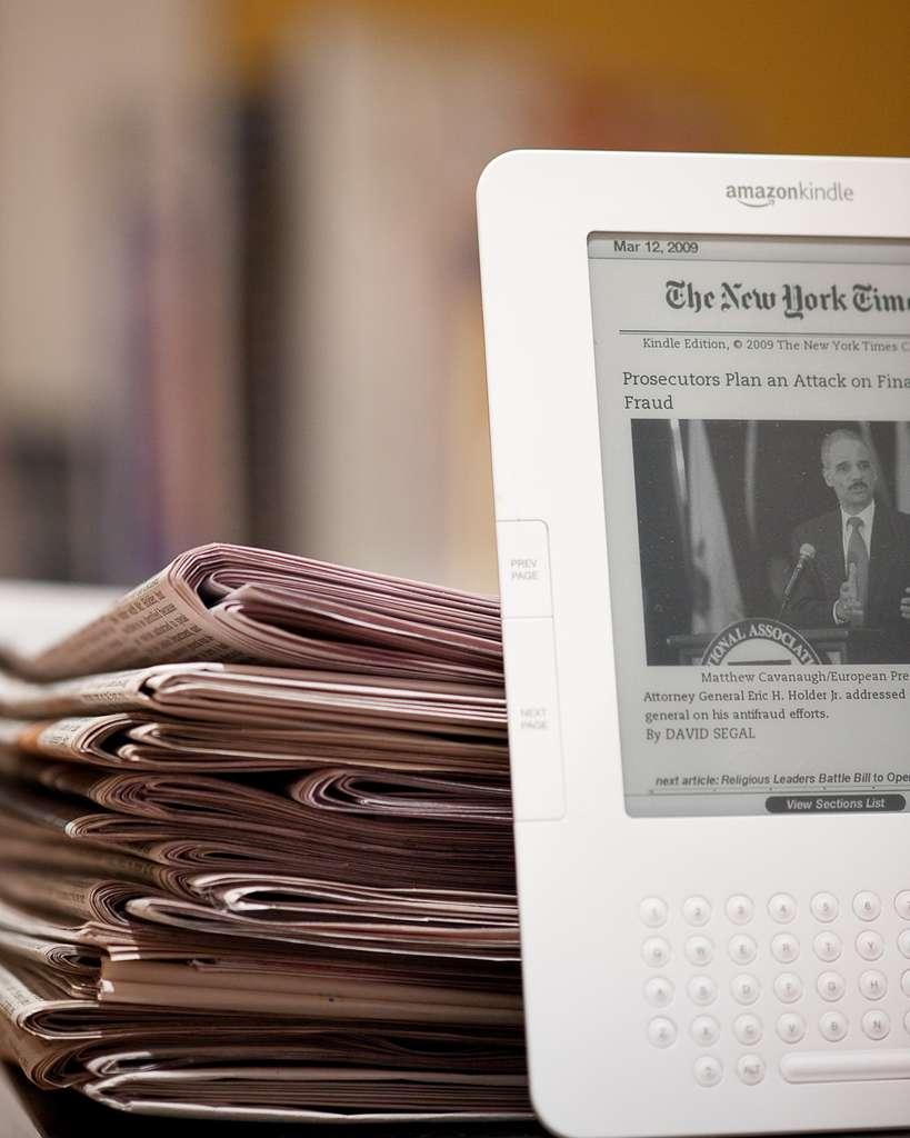 Le Figaro, Libération, Les Echos, Le Parisien, et Le Monde seront disponibles sur la Kindle. © B.K. Dewey, Flickr CC by nc 2.0