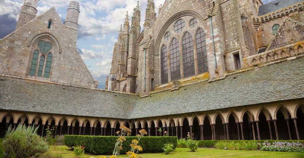 L'abbaye du Mont-Saint-Michel et son cloître