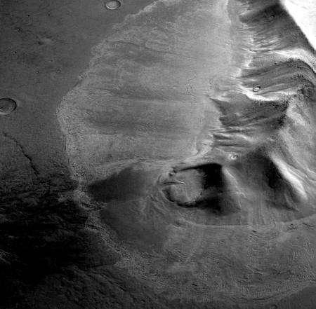 Cliquez pour agrandir. Image des glaciers d'Hellas obtenue avec la sonde européenne Mars Express et la High Resolution Stereo Camera (HRSC). Crédit : ESA/DLR/FU Berlin