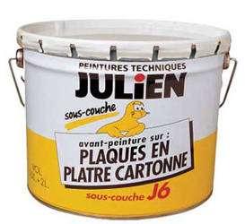 Impression « acrylo-glycérophtalique », en phase aqueuse, disponible en pots de 0,5 et 2,5 litres. Favorise l'accrochage de la peinture de finition, la pose ou la dépose des tapisseries. Séchage rapide. Rendement : 10 m2/litre. © DR