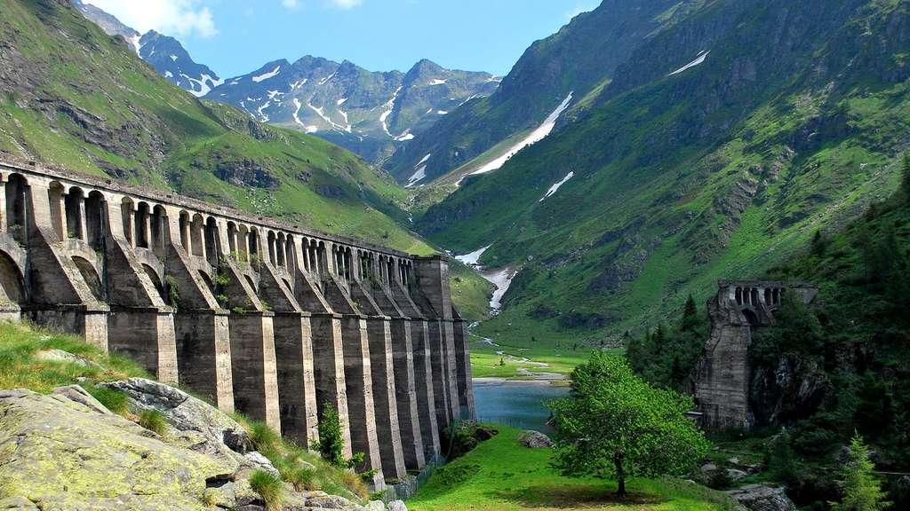 La rupture du barrage du Gleno, en Italie