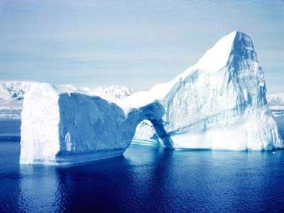 Les glaces : des enregistrements des climats passés pour qui sait les lire.