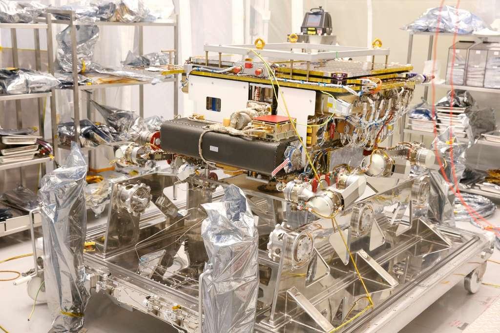 Le rover Rosalind Franklin dans l'usine toulousaine d'Airbus. © Airbus
