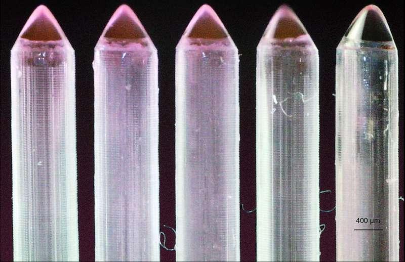 Exemples d'électronébuliseurs utilisés par l'équipe du MIT pour la fabrication de capteurs de gaz à base de Mems. © Anthony Taylor et Luis F Velásquez-García, MIT