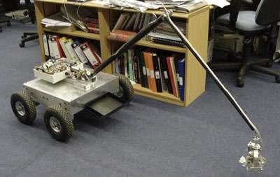Slugbot, le robot qui fabrique son énergie en digérant des limaces. © C. Melhuish, DR