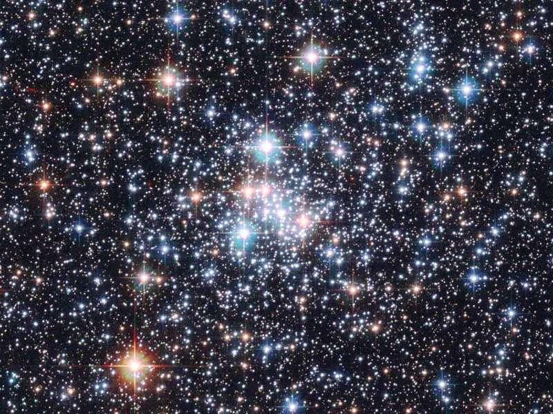L'amas d'étoiles NGC 290. Une grande partie de ces étoiles ont sans doute des vibrations sonores. © HST, ESA, Nasa