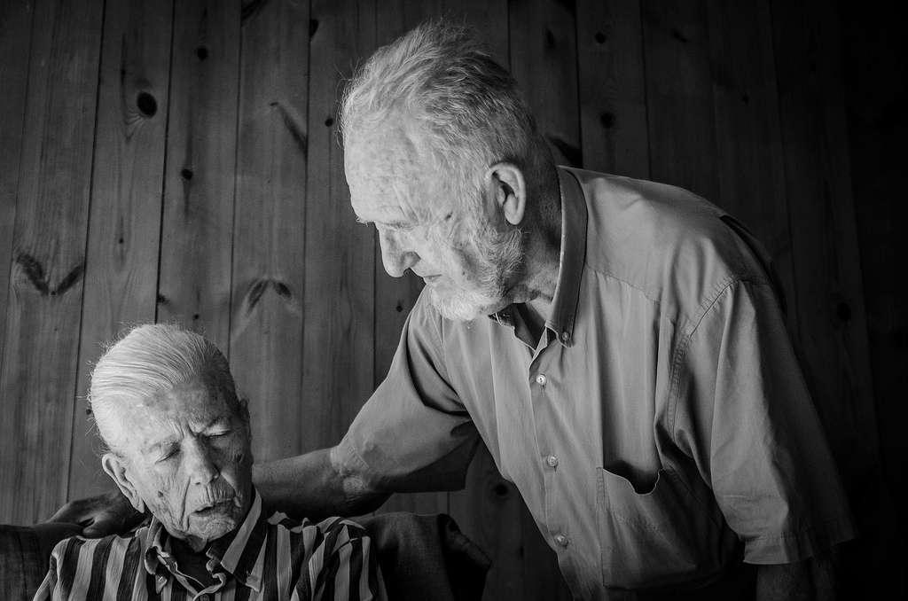 L'incidence de la maladie d'Alzheimer grimpe en flèche mais les traitements existants ne peuvent que ralentir l'avancée inéluctable de la démence. Un test de diagnostic précoce et rapide devrait permettre de mieux prendre en charge les patients. © Travishenderson, Flickr, cc by nc sa 2.0