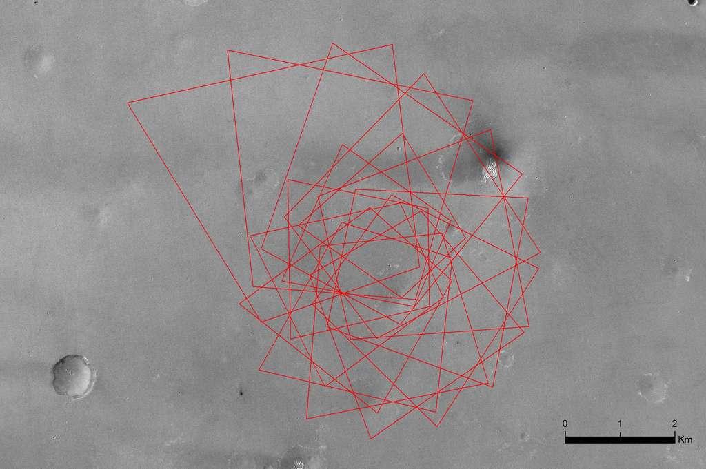 Simulation des 15 images qu'a dû acquérir la caméra située sous l'atterrisseur. D'après l'ESA et Thales Alenia Space, la caméra a capté sa première image à une altitude de 17 kilomètres et la dernière à quelque 1,5 kilomètre du sol. La scène couvre une superficie de 4,6 km2. © ESA