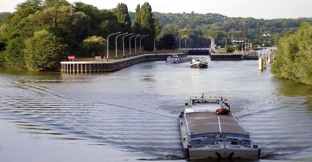 Ecluse sur l'Oise à L'Isle-Adam (Val-d'Oise). © Clicsouris, Wikimedia commons, CC by-sa 2.5