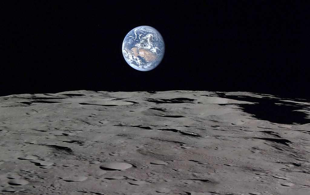 Elysium propose également à ses clients d'envoyer des cendres de défunts sur la Lune avec des vols organisés par Astrobotic Technology. Il en coûtera moins de 10.000 dollars (environ 8.900 euros). © Jaxa, NHK