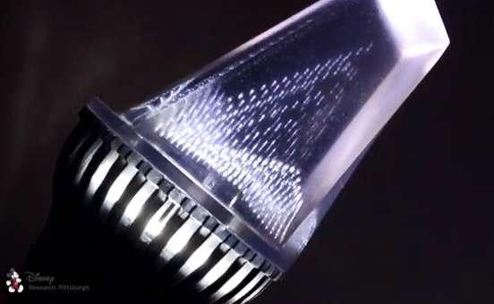 L'impression 3D de Disney Research permet de fabriquer des ampoules qui sont en fait des blocs de plastique transparent parcouru par un motif composé de bulles d'air qui réfléchissent ou transmettent la lumière selon l'angle d'éclairage. © Disney Research