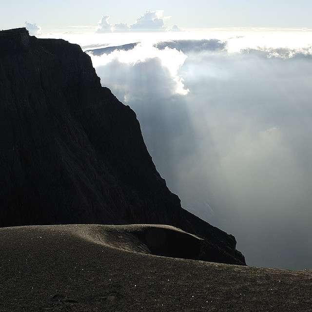 L'éruption du Tombora, volcan indonésien, en 1815, a provoqué un hiver volcanique et une chute importante de la température terrestre. © paulzpicz, Flickr, cc by 2.0