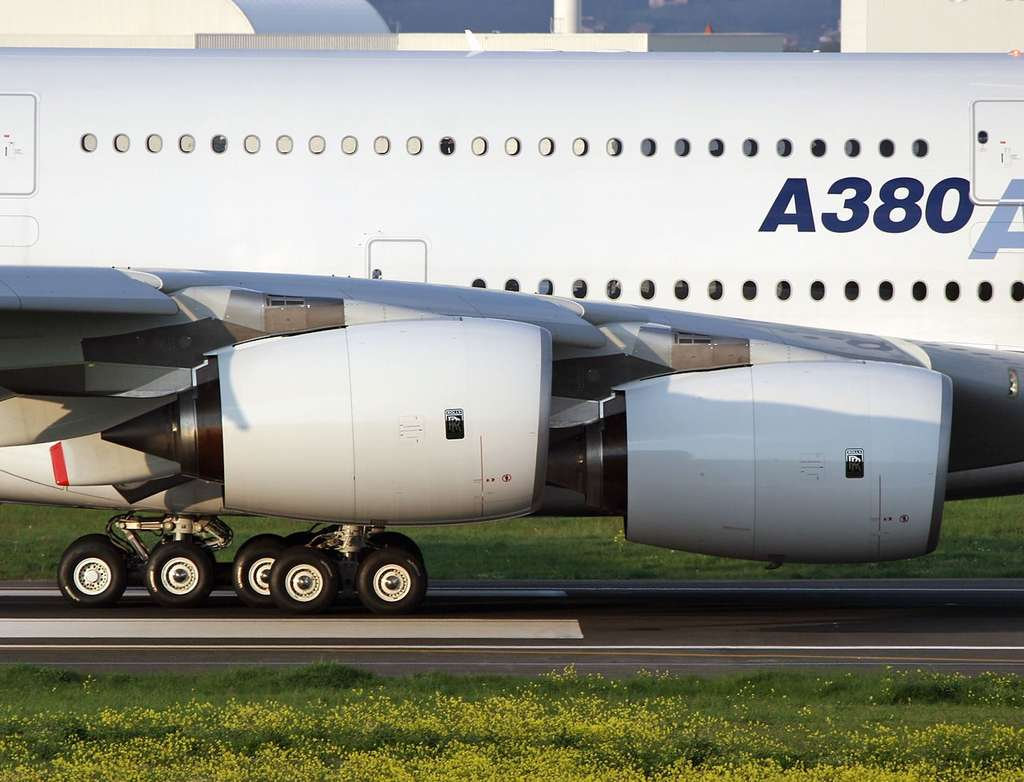 Airbus A380 : Rolls Royce Trent 900