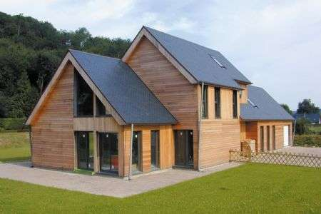 Maison BBC à ossature bois. Une rénovation énergétique performante, et un comportement plus sobre des propriétaires. © Isover