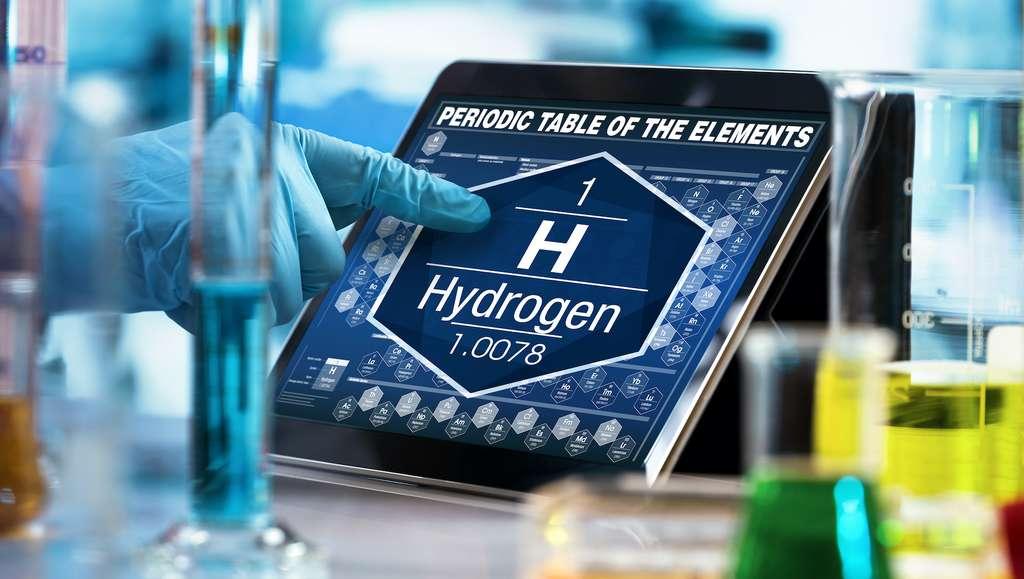 Des procédés de production d'hydrogène propre sont à l'étude aujourd'hui comme la production à partir de microorganismes modifiés sous l'effet de la lumière du soleil ou encore à partir de cellules photoélectrochimiques. © angellodeco, Adobe Stock